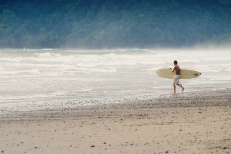 Surfare på Costa Rica